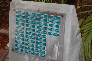Hemingway Cats Memorial-note names