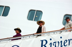 BG, Keith, and Mary disembark the Oceania(the Celebrities)